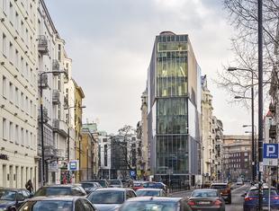 Nadwieszenie o długości 7,5 metra – o koncepcji budynku Piękna 49 Michał Leszczyński i Piotr Bzdel